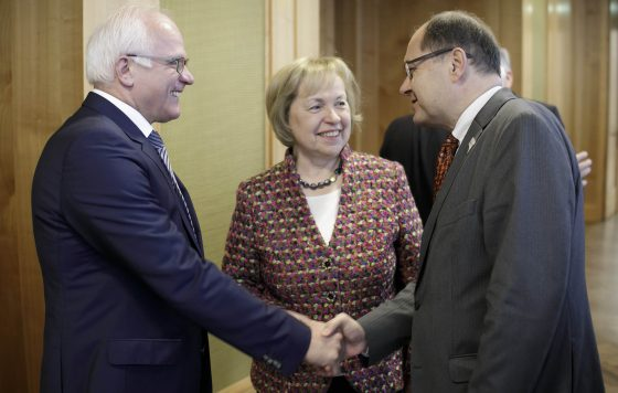 Bundesminister Schmidt begrüßt die Staatssekretäre